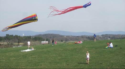 kites people pic for eblast